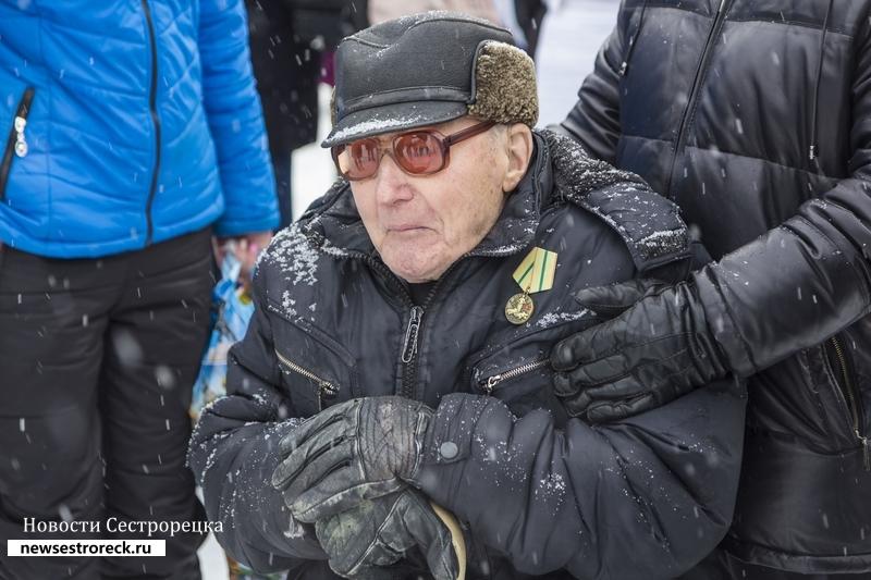 В Сестрорецке чествовали Валентина Рослякова, которому исполняется 102 года