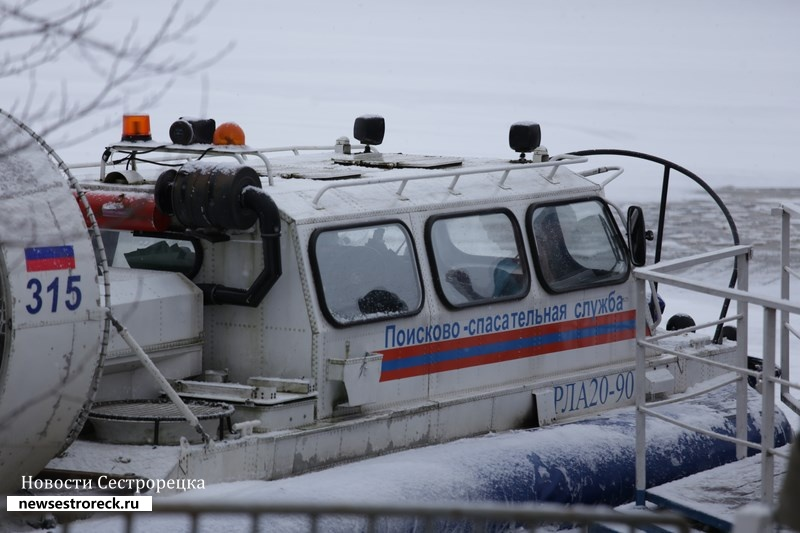 Мужчина едва не погиб на озере Сестрорецкий Разлив